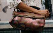 Die Handtasche einer Frau