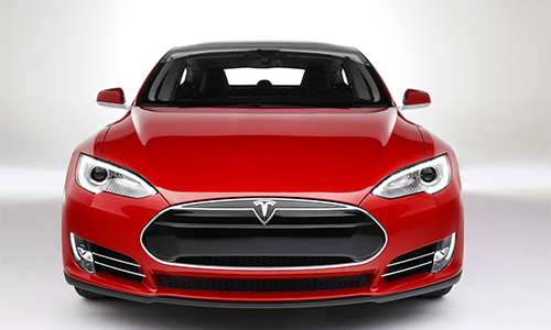 Tesla: Freitagsnachmittags an der Ladestation!